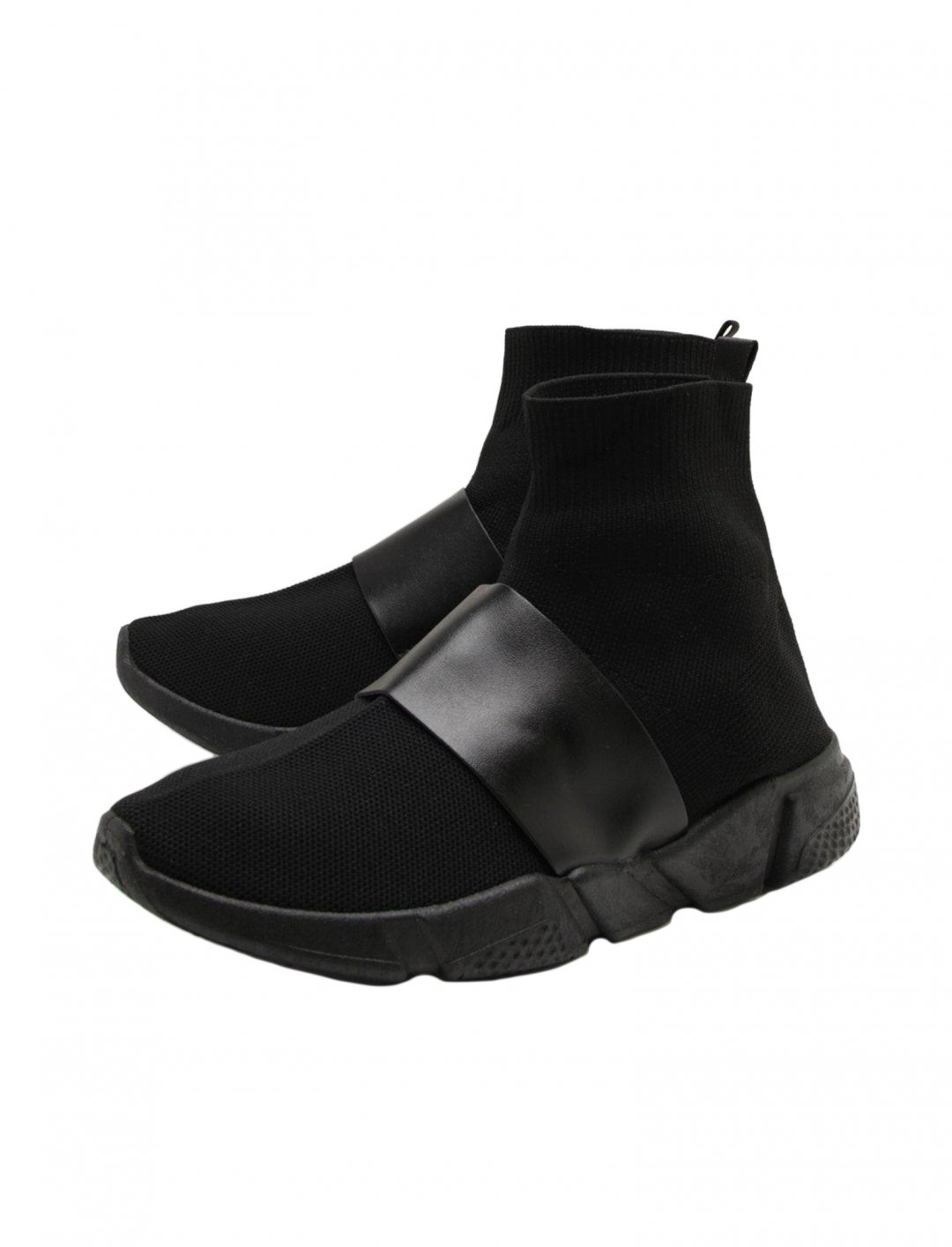 "Sock Trainers {""id"":12,""product_section_id"":1,""name"":""Shoes"",""order"":12} boohoo"