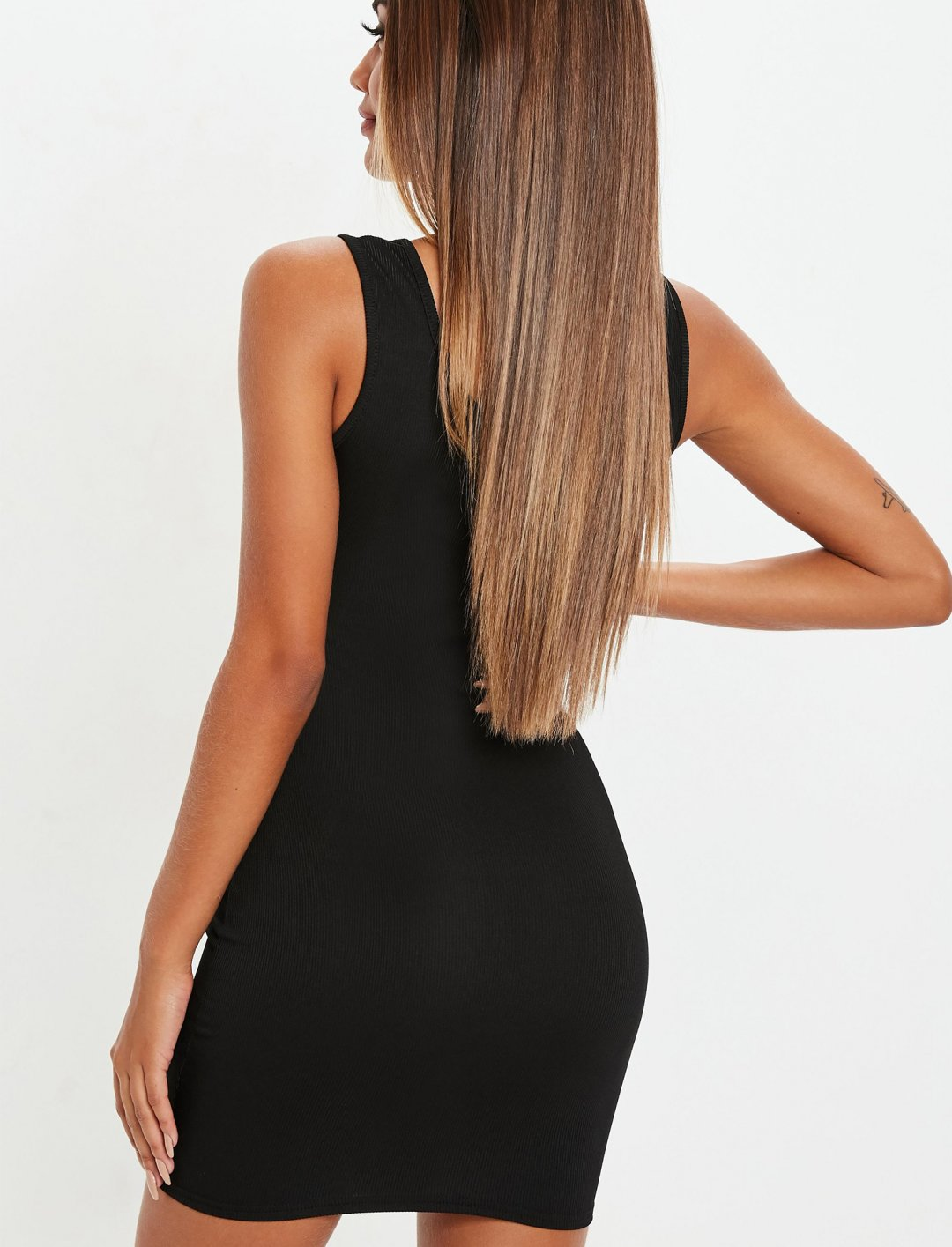 "Square Neck Dress {""id"":5,""product_section_id"":1,""name"":""Clothing"",""order"":5} Missguided"