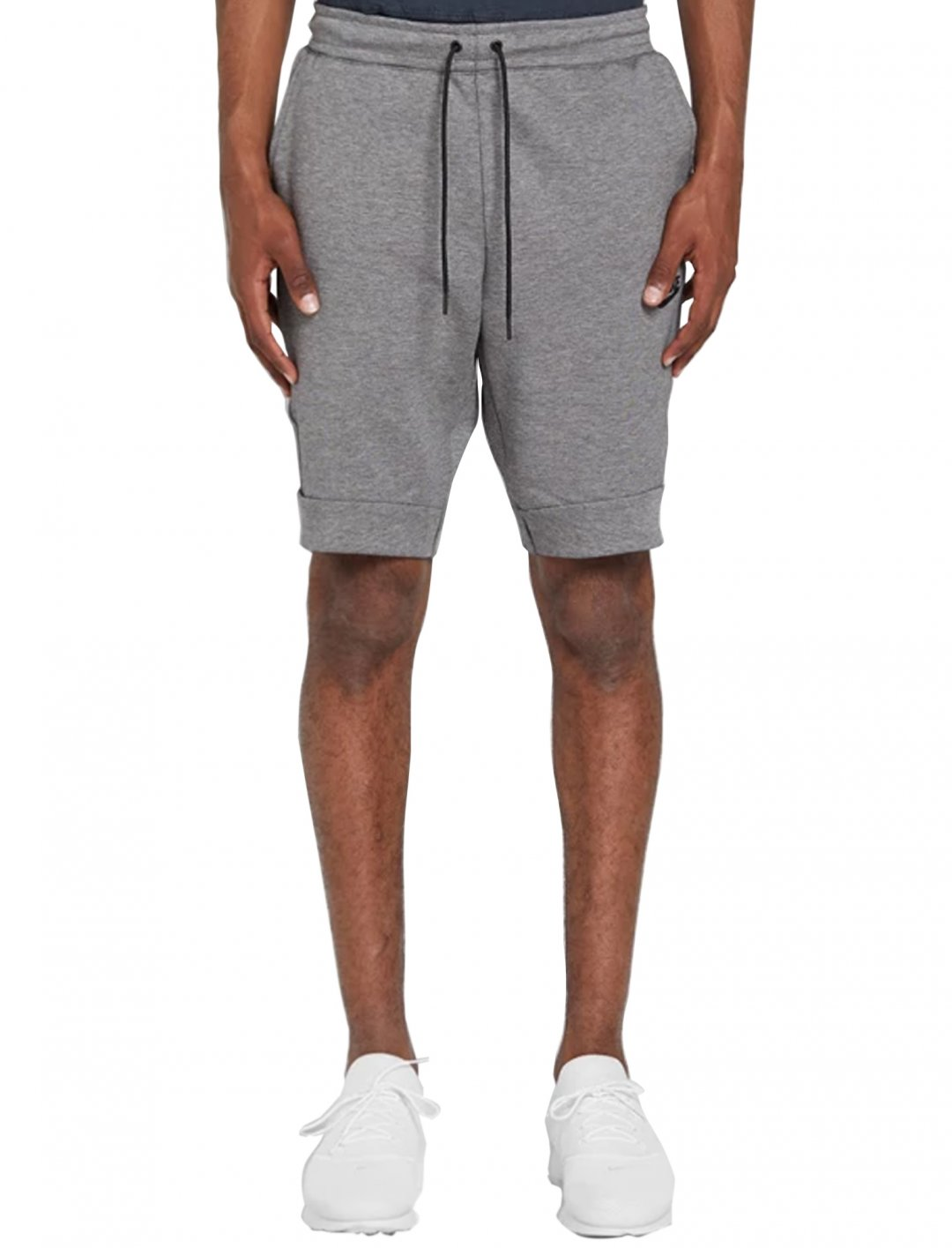 "Tech Fleece Shorts {""id"":5,""product_section_id"":1,""name"":""Clothing"",""order"":5} Nike"