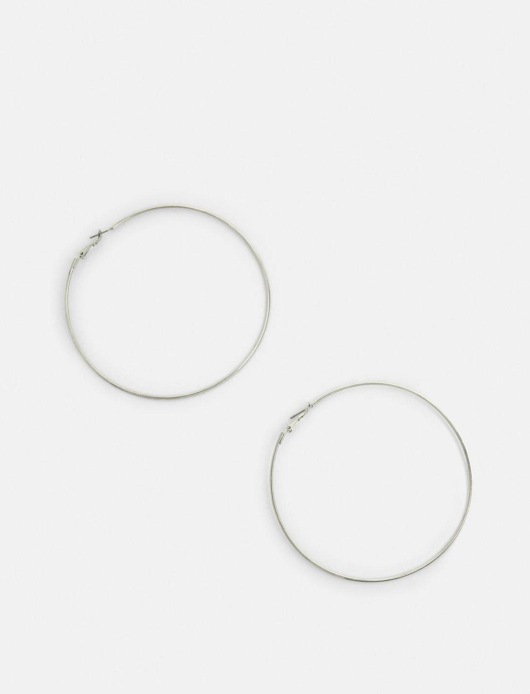 """Missguided Large Hoop Earrings {""""id"""":16,""""product_section_id"""":1,""""name"""":""""Accessories"""",""""order"""":15} Missguided"""