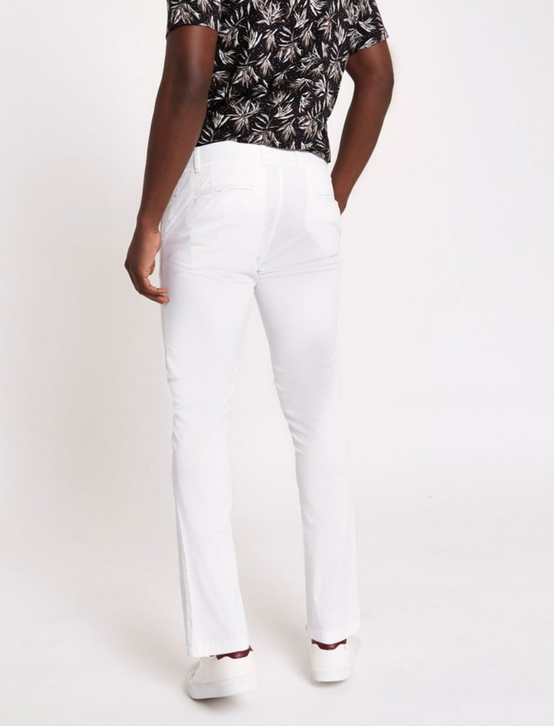 """River Island White Trousers {""""id"""":5,""""product_section_id"""":1,""""name"""":""""Clothing"""",""""order"""":5} River Island"""