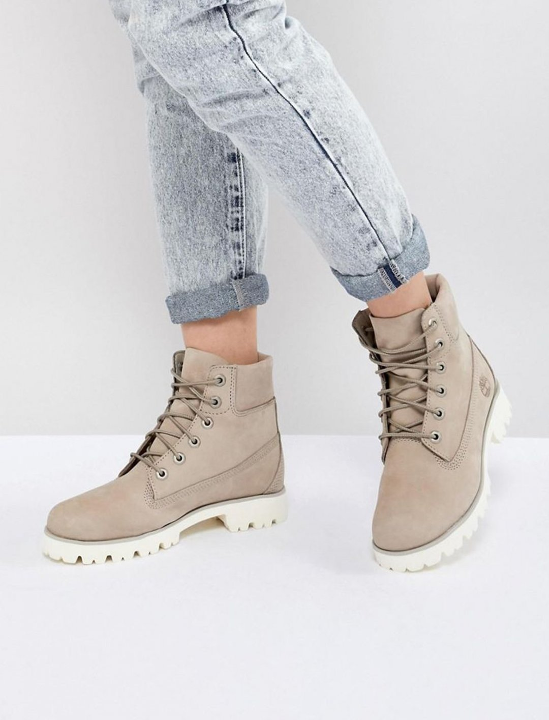 """Timberland Flat Boots {""""id"""":12,""""product_section_id"""":1,""""name"""":""""Shoes"""",""""order"""":12} Timberland"""
