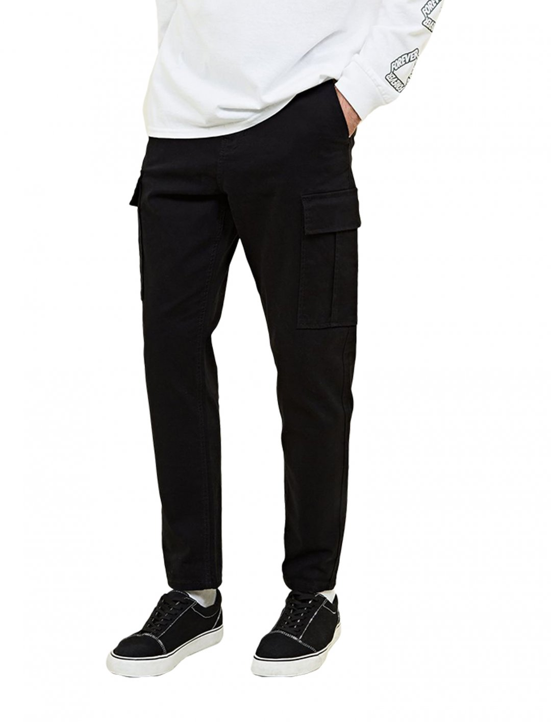 "Black Cargo Trousers {""id"":5,""product_section_id"":1,""name"":""Clothing"",""order"":5} New Look"