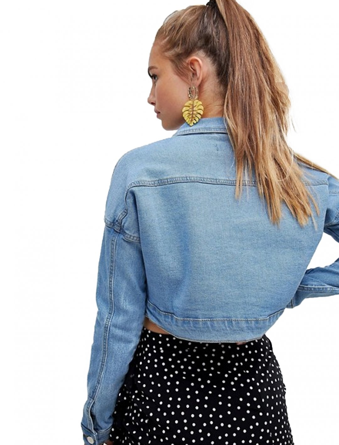"Cropped Denim Jacket {""id"":5,""product_section_id"":1,""name"":""Clothing"",""order"":5} Pretty Little Thing"