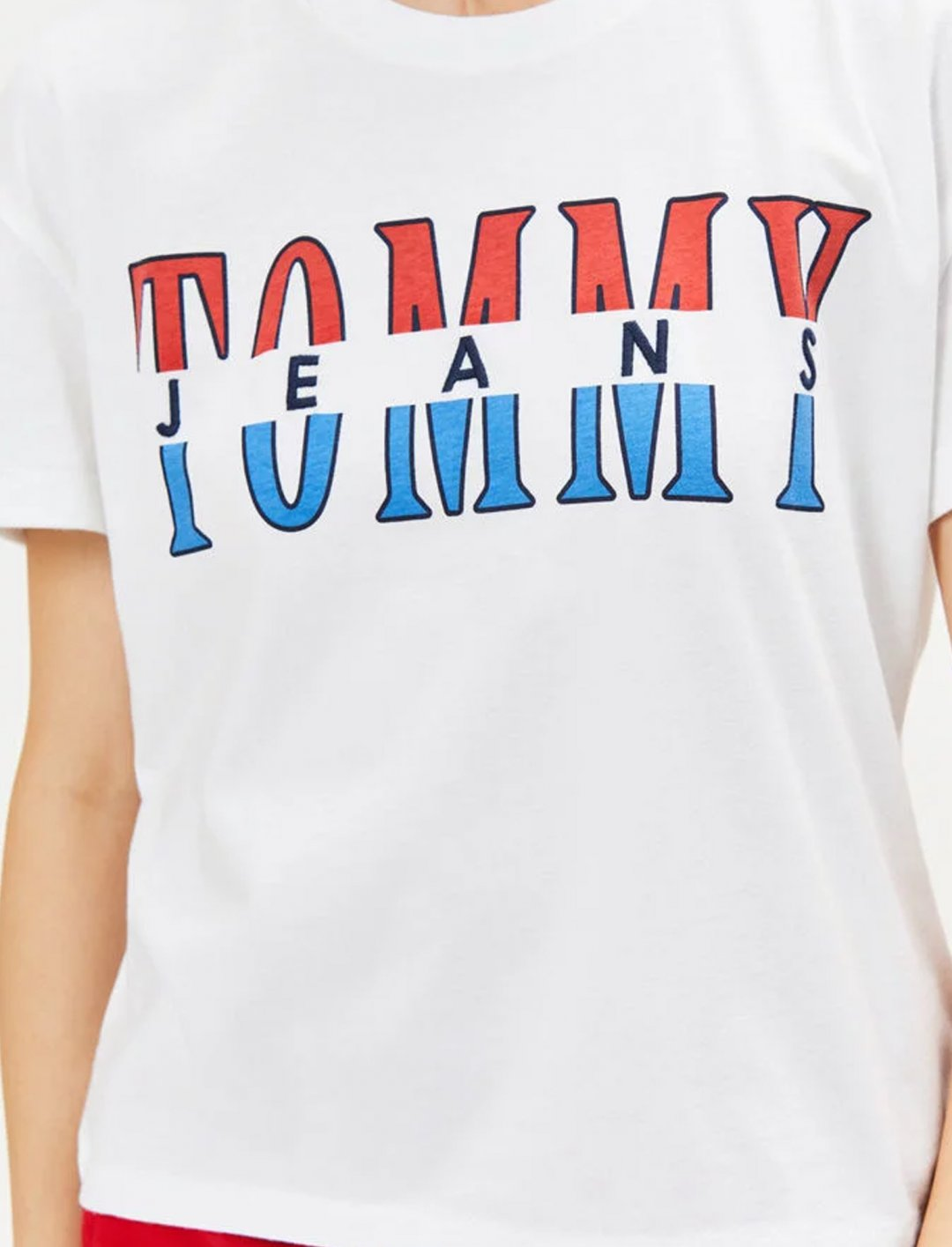"Retro Logo T-Shirt {""id"":5,""product_section_id"":1,""name"":""Clothing"",""order"":5} Tommy Jeans"