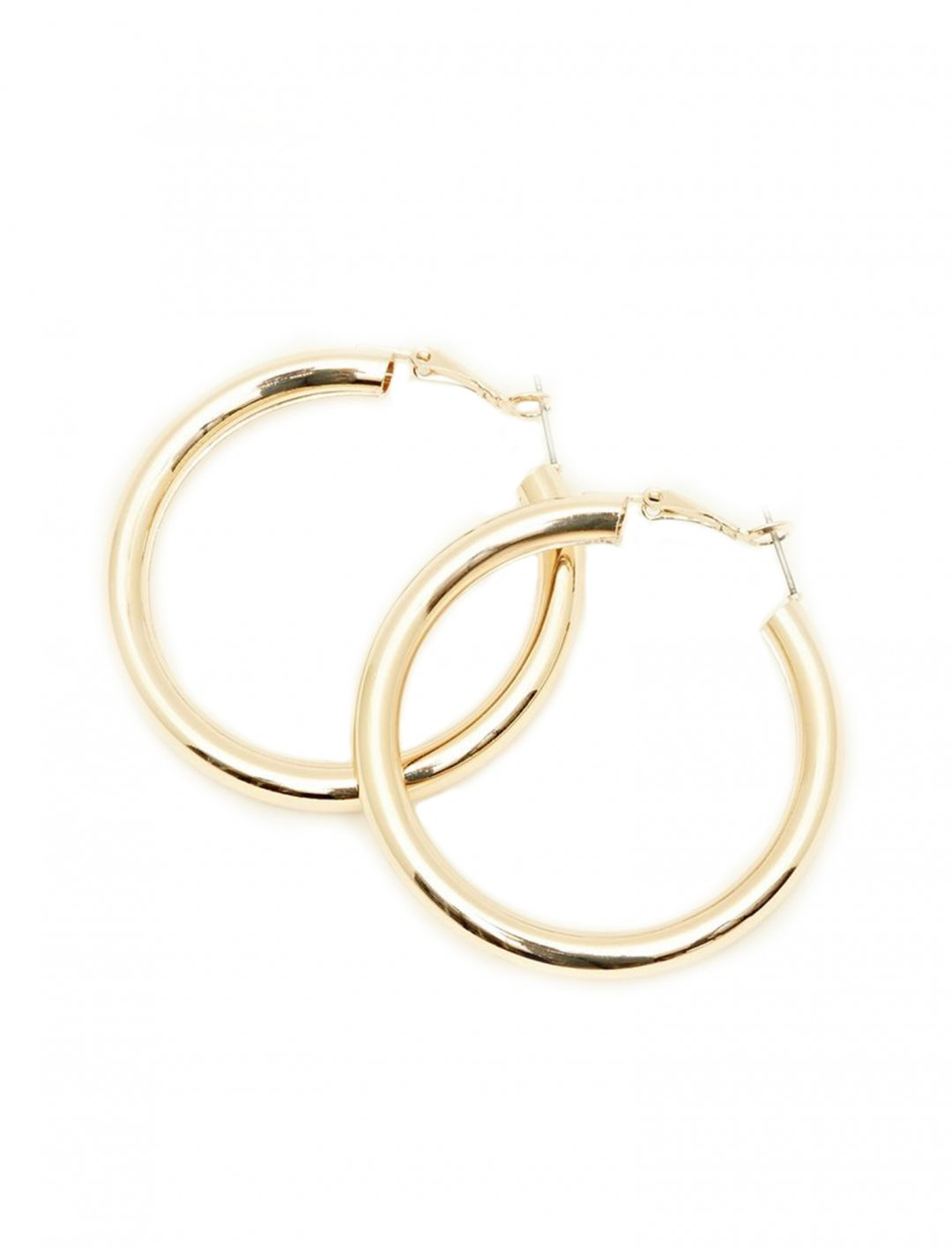 "Sarah Close's Earrings {""id"":16,""product_section_id"":1,""name"":""Accessories"",""order"":15} New Look"