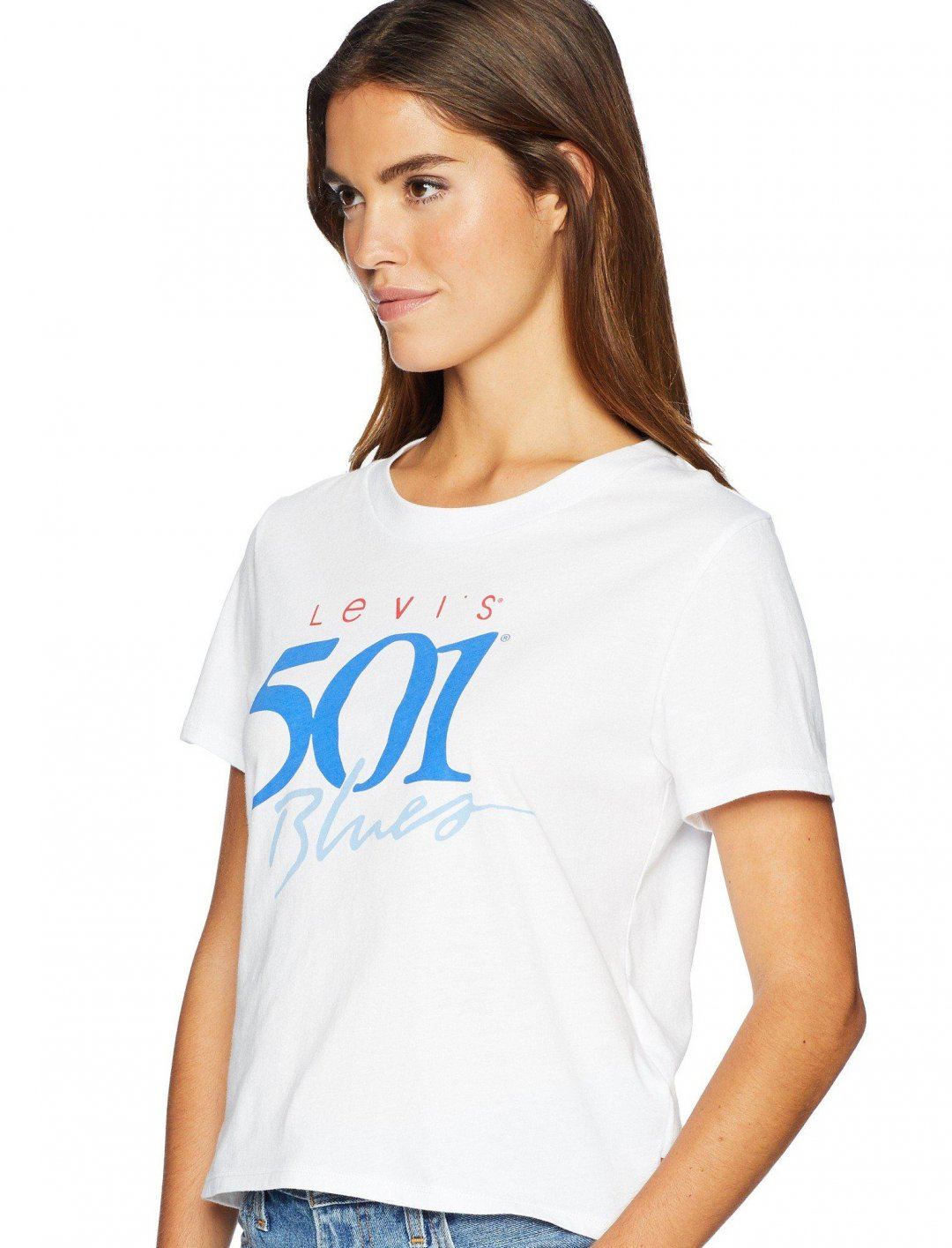 "Sarah Close's Graphic Surf Tee {""id"":5,""product_section_id"":1,""name"":""Clothing"",""order"":5} Levi's"