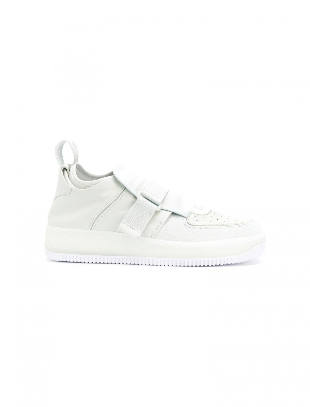 "Sarah Close's Sneakers {""id"":12,""product_section_id"":1,""name"":""Shoes"",""order"":12} Nike"