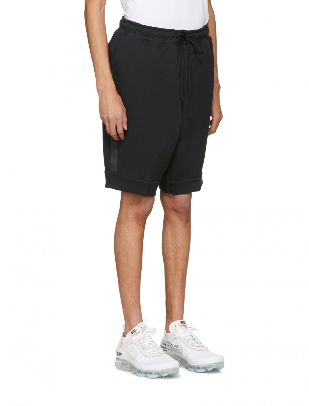 "Black Tech Fleece Shorts {""id"":5,""product_section_id"":1,""name"":""Clothing"",""order"":5} Nike"