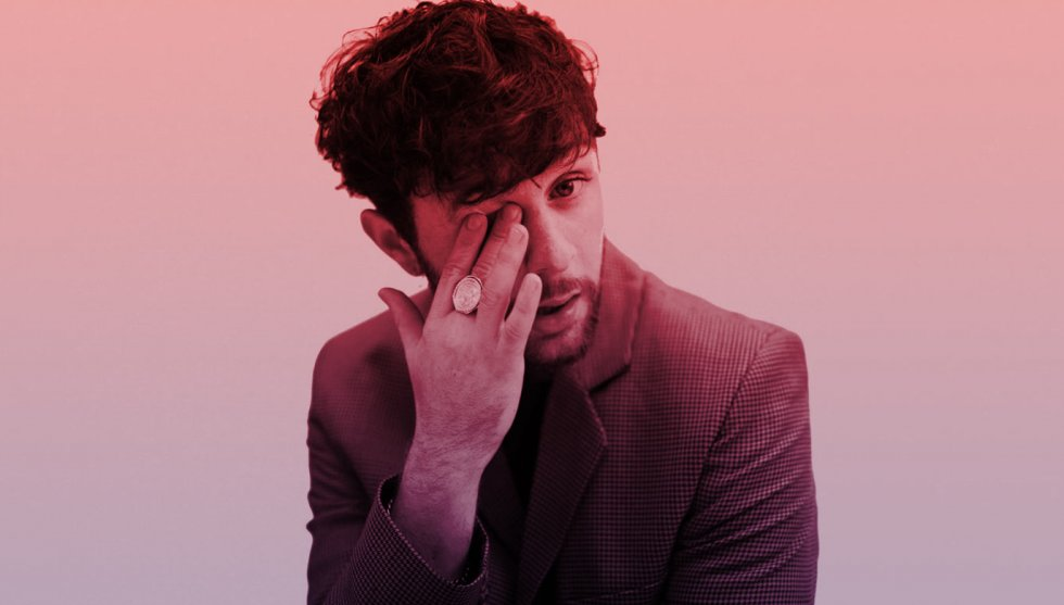 Tom Grennan Fashion, Style, Outfits & Clothes from the Music Videos Tom Grennan Sony