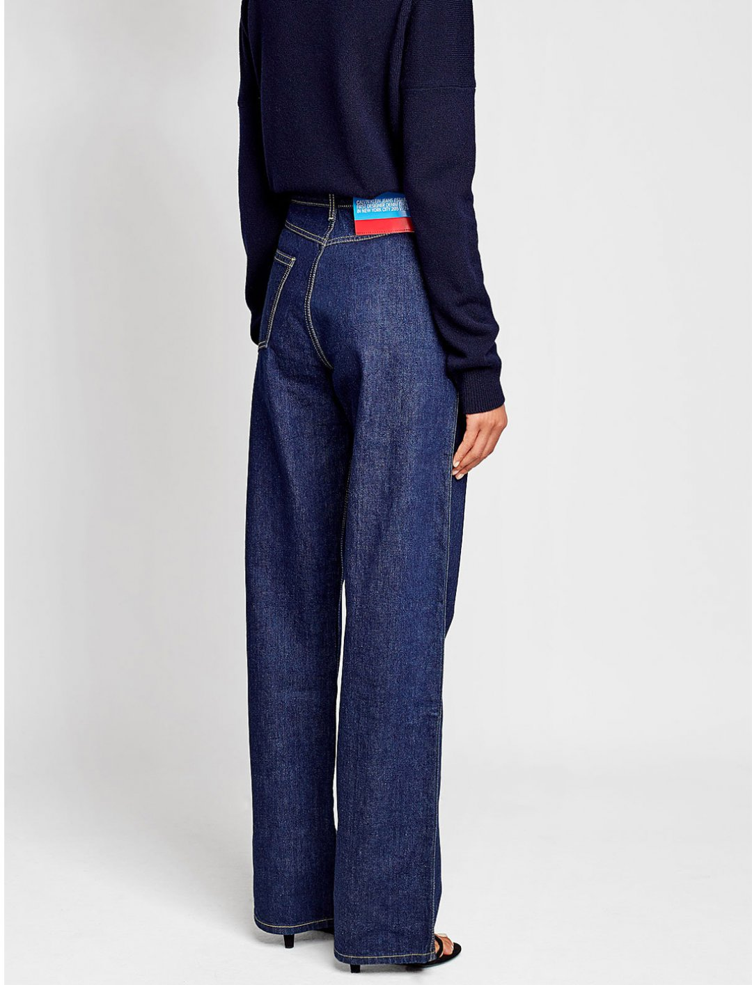 "Straight Leg Jeans {""id"":5,""product_section_id"":1,""name"":""Clothing"",""order"":5} Calvin Klein"