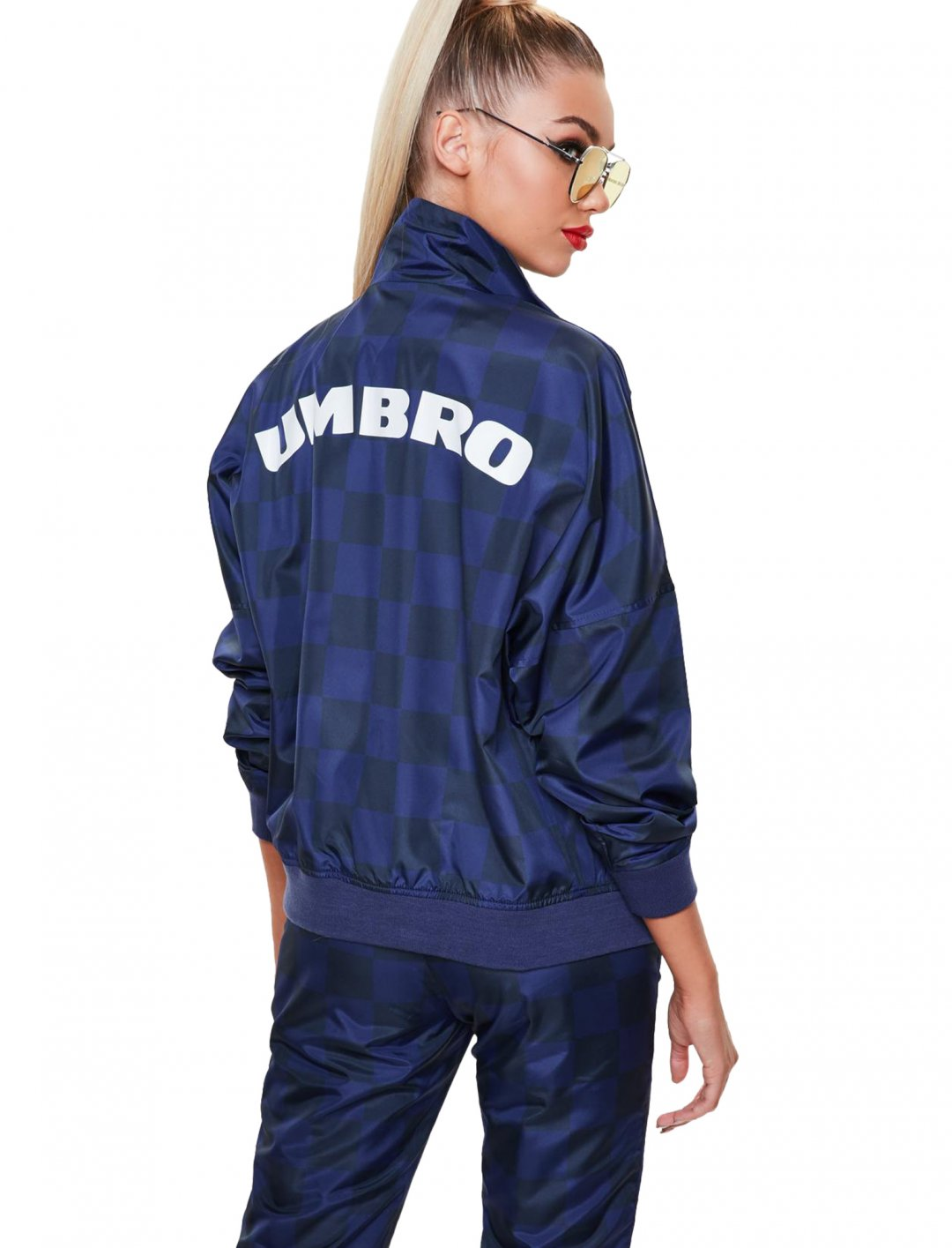"Umbro Track Top {""id"":5,""product_section_id"":1,""name"":""Clothing"",""order"":5} Umbro"