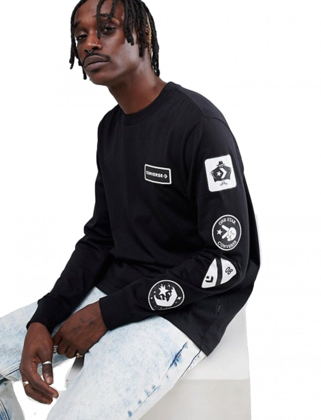 """Black Patched Sweatshirt {""""id"""":5,""""product_section_id"""":1,""""name"""":""""Clothing"""",""""order"""":5} Converse"""