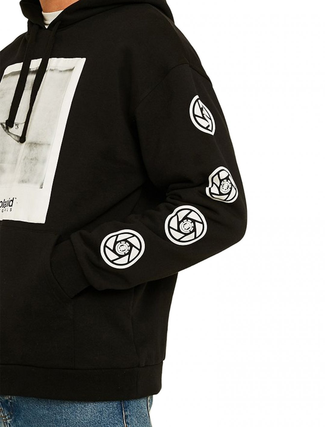 "Instant Black Hoodie {""id"":5,""product_section_id"":1,""name"":""Clothing"",""order"":5} Element"
