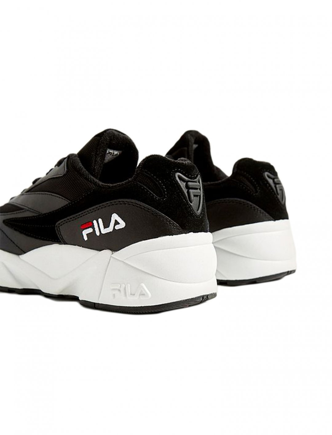 "Venom Black Trainers {""id"":12,""product_section_id"":1,""name"":""Shoes"",""order"":12} FILA"