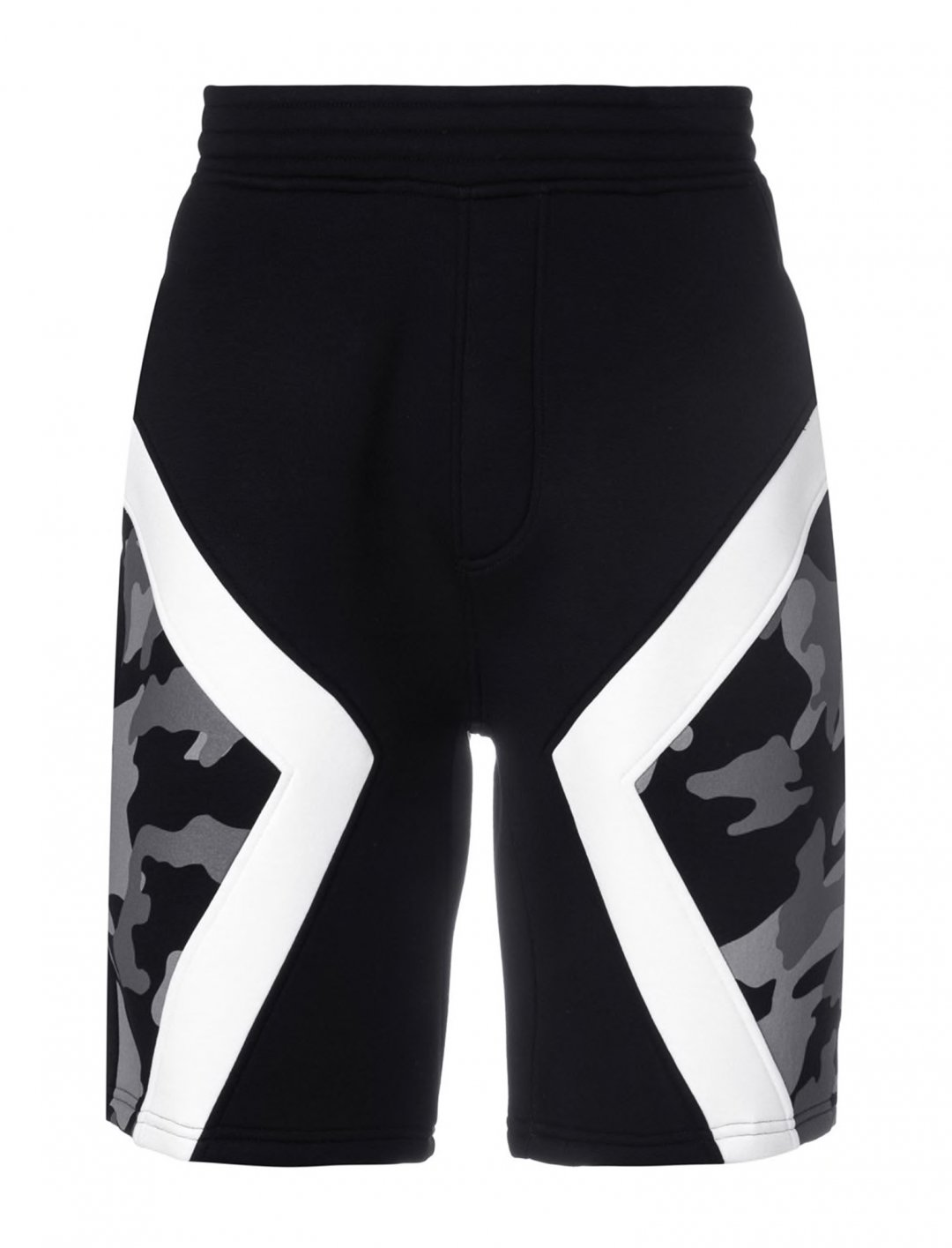 "Yungen's Camouflage Panel Shorts {""id"":5,""product_section_id"":1,""name"":""Clothing"",""order"":5} Neil Barrett"