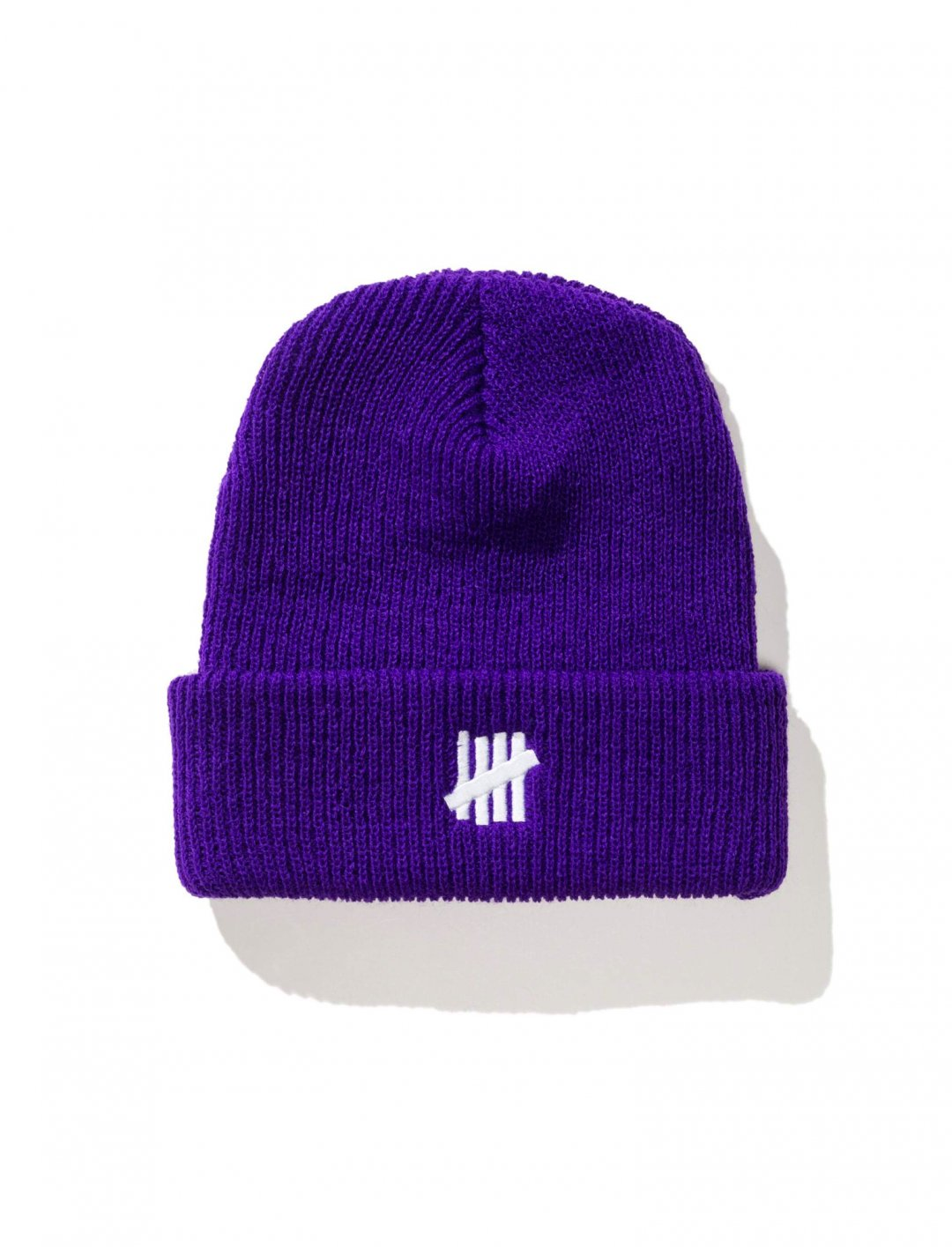 "Chris Brown's Beanie {""id"":5,""product_section_id"":1,""name"":""Clothing"",""order"":5} Undefeated"