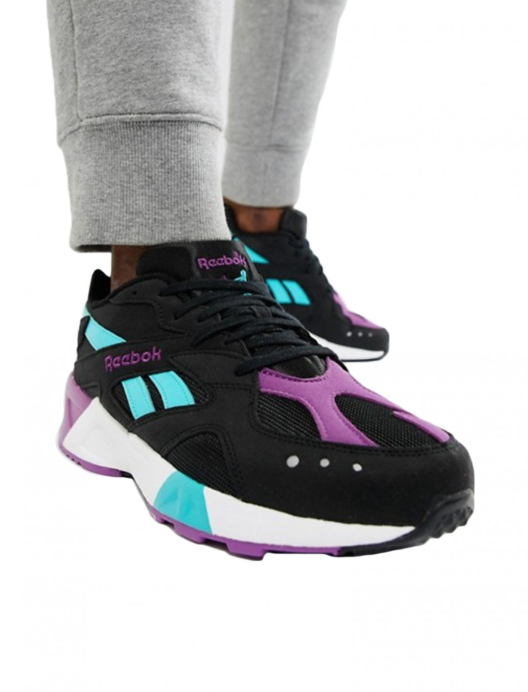 "Trainers {""id"":12,""product_section_id"":1,""name"":""Shoes"",""order"":12} Reebok"