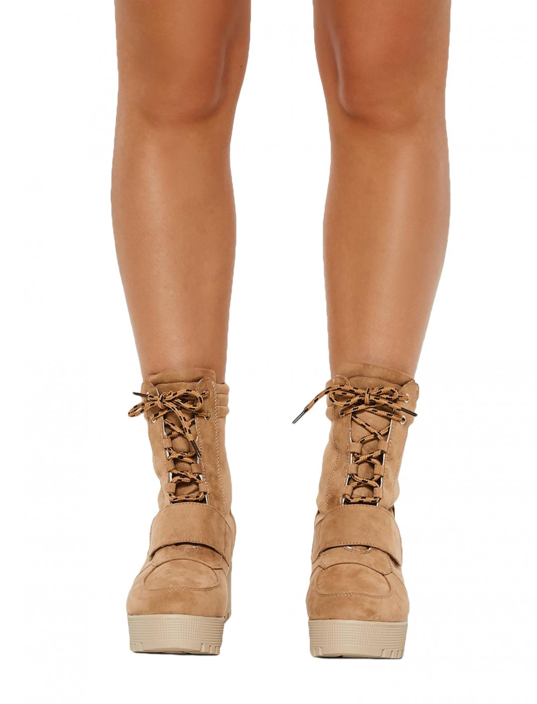 "Sophia's Boots {""id"":12,""product_section_id"":1,""name"":""Shoes"",""order"":12} Missguided"