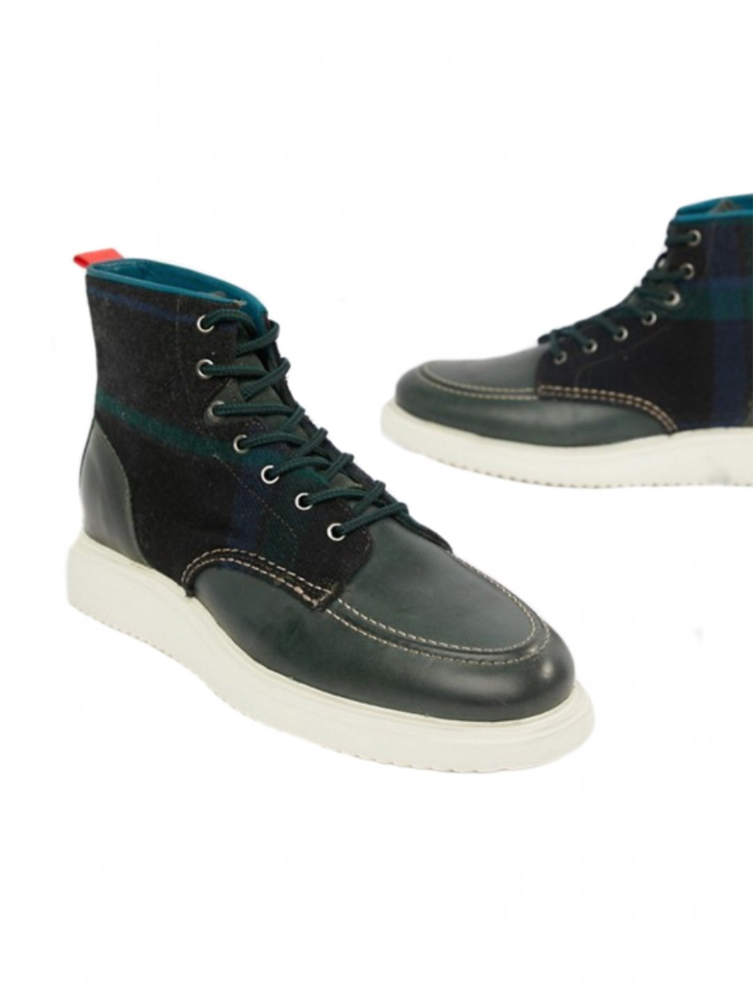 "Boots {""id"":12,""product_section_id"":1,""name"":""Shoes"",""order"":12} PS Paul Smith"