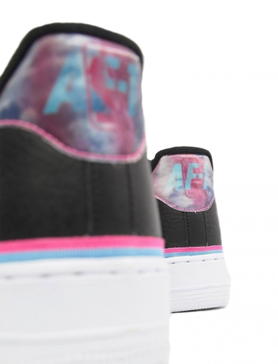"Air Force 1 '07 Trainers {""id"":12,""product_section_id"":1,""name"":""Shoes"",""order"":12} Nike"