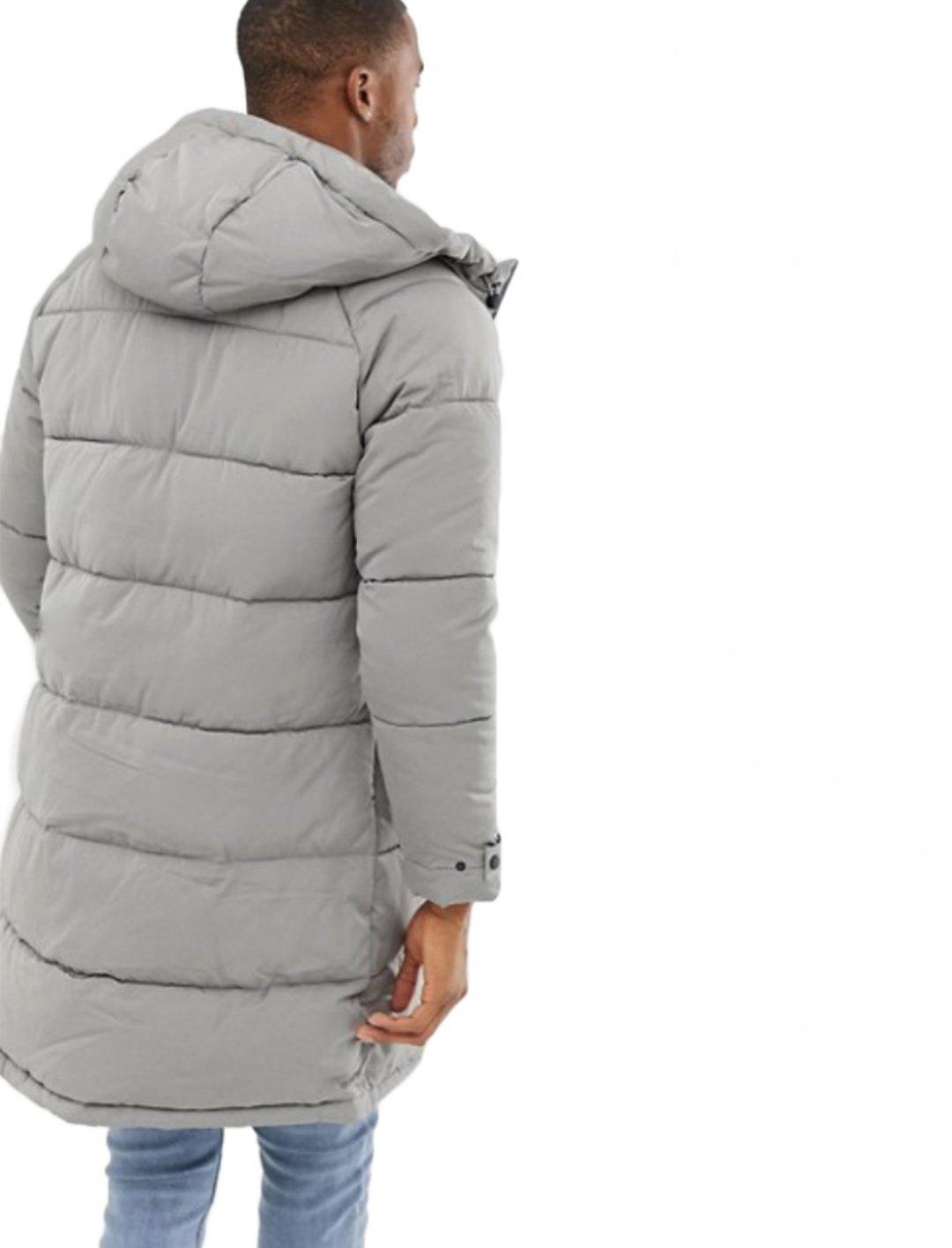 "Puffer Coat {""id"":5,""product_section_id"":1,""name"":""Clothing"",""order"":5} Bershka"