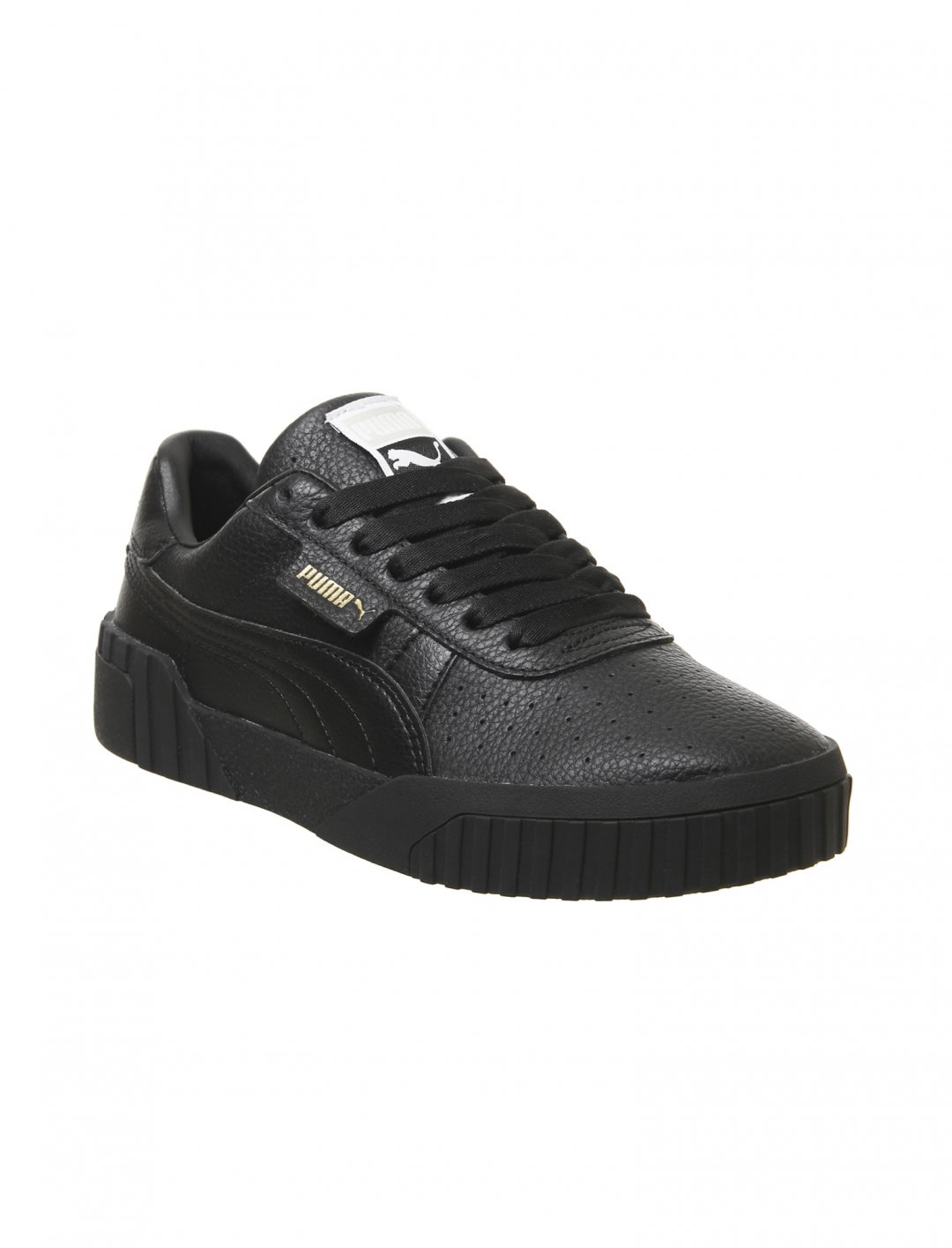 """Trainers In Black {""""id"""":12,""""product_section_id"""":1,""""name"""":""""Shoes"""",""""order"""":12} Puma"""