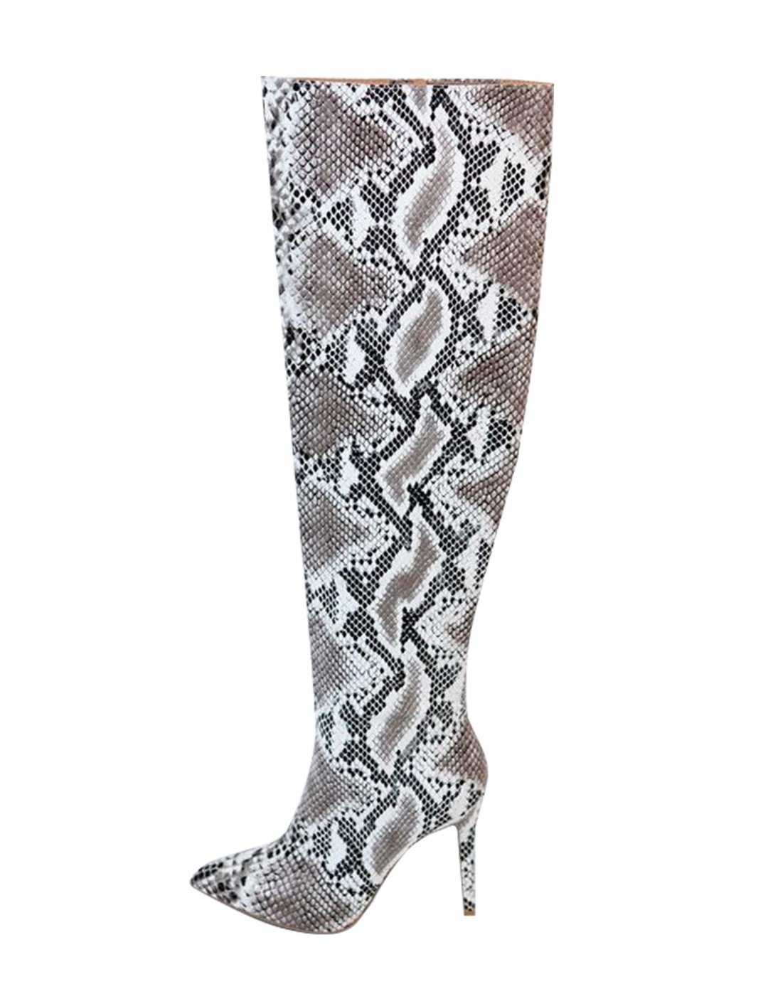 "Miley Cyrus' Boots {""id"":12,""product_section_id"":1,""name"":""Shoes"",""order"":12} Bobble And Lace"