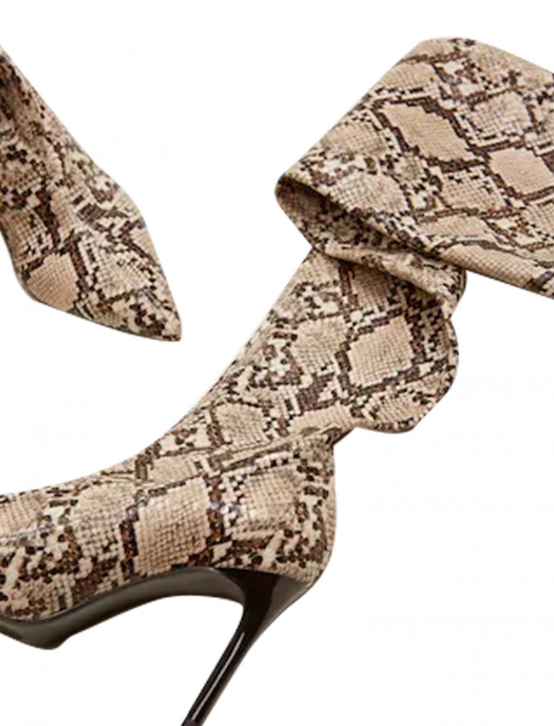 "Snake Effect Boots {""id"":12,""product_section_id"":1,""name"":""Shoes"",""order"":12} MANGO"