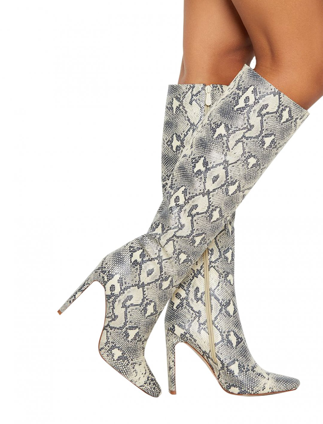 "Snake Print Boots {""id"":12,""product_section_id"":1,""name"":""Shoes"",""order"":12} Pretty Little Thing"