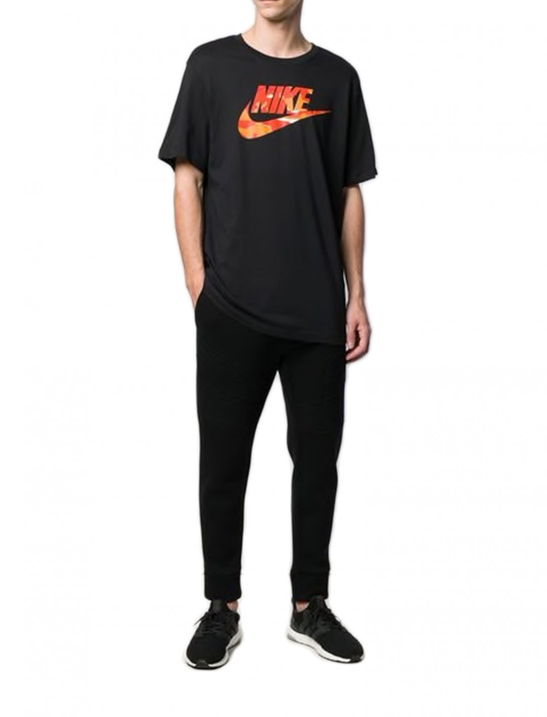 "Logo T-shirt {""id"":5,""product_section_id"":1,""name"":""Clothing"",""order"":5} Nike"