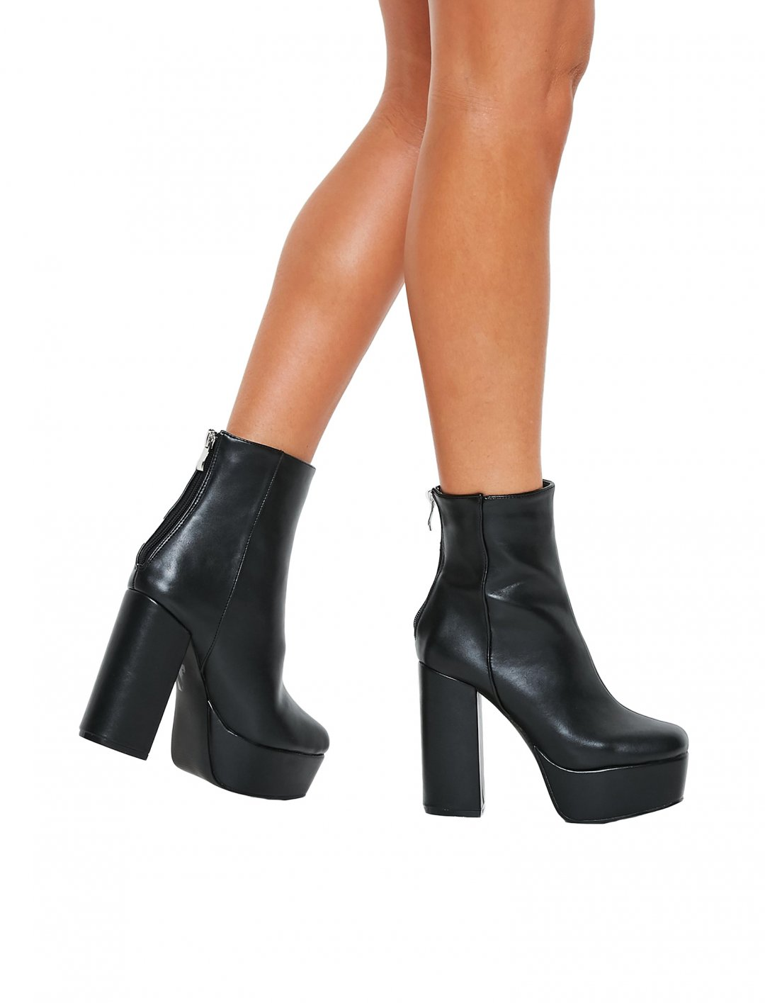 "Platform Boots {""id"":12,""product_section_id"":1,""name"":""Shoes"",""order"":12} Missguided"