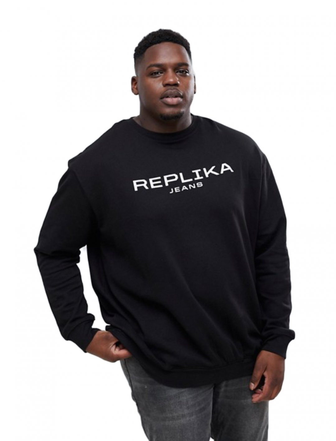 "Jumper {""id"":5,""product_section_id"":1,""name"":""Clothing"",""order"":5} Replika"