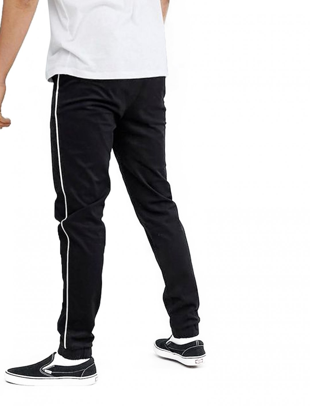 """Joggers In Black {""""id"""":5,""""product_section_id"""":1,""""name"""":""""Clothing"""",""""order"""":5} ASOS DESIGN"""
