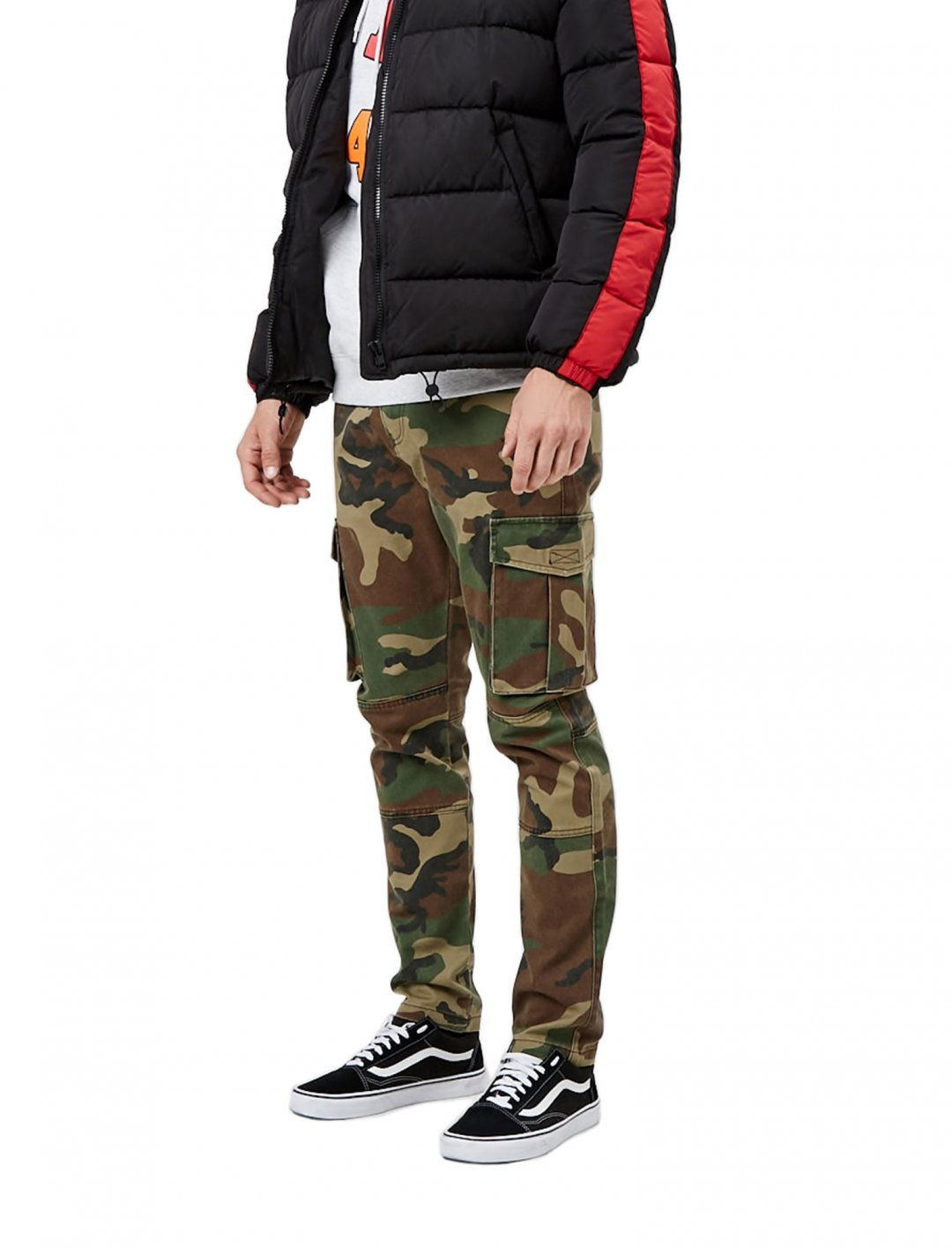 """Camo Cargo Trousers {""""id"""":5,""""product_section_id"""":1,""""name"""":""""Clothing"""",""""order"""":5} Forever 21"""
