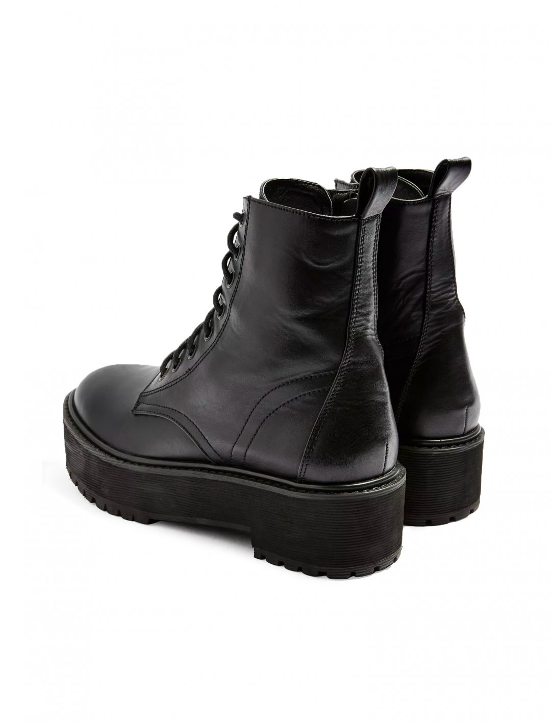 """Black Chunky Boots {""""id"""":5,""""product_section_id"""":1,""""name"""":""""Clothing"""",""""order"""":5} Tosphop"""