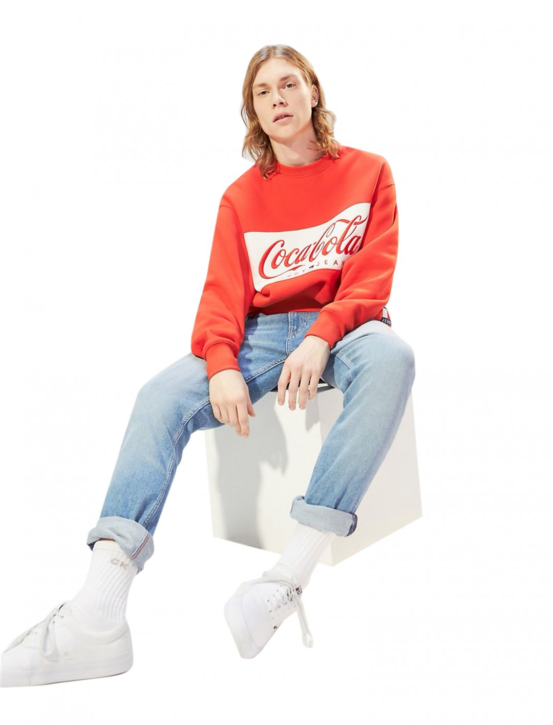 "Coca Cola Sweatshirt {""id"":5,""product_section_id"":1,""name"":""Clothing"",""order"":5} Tommy Jeans x Coca Cola"