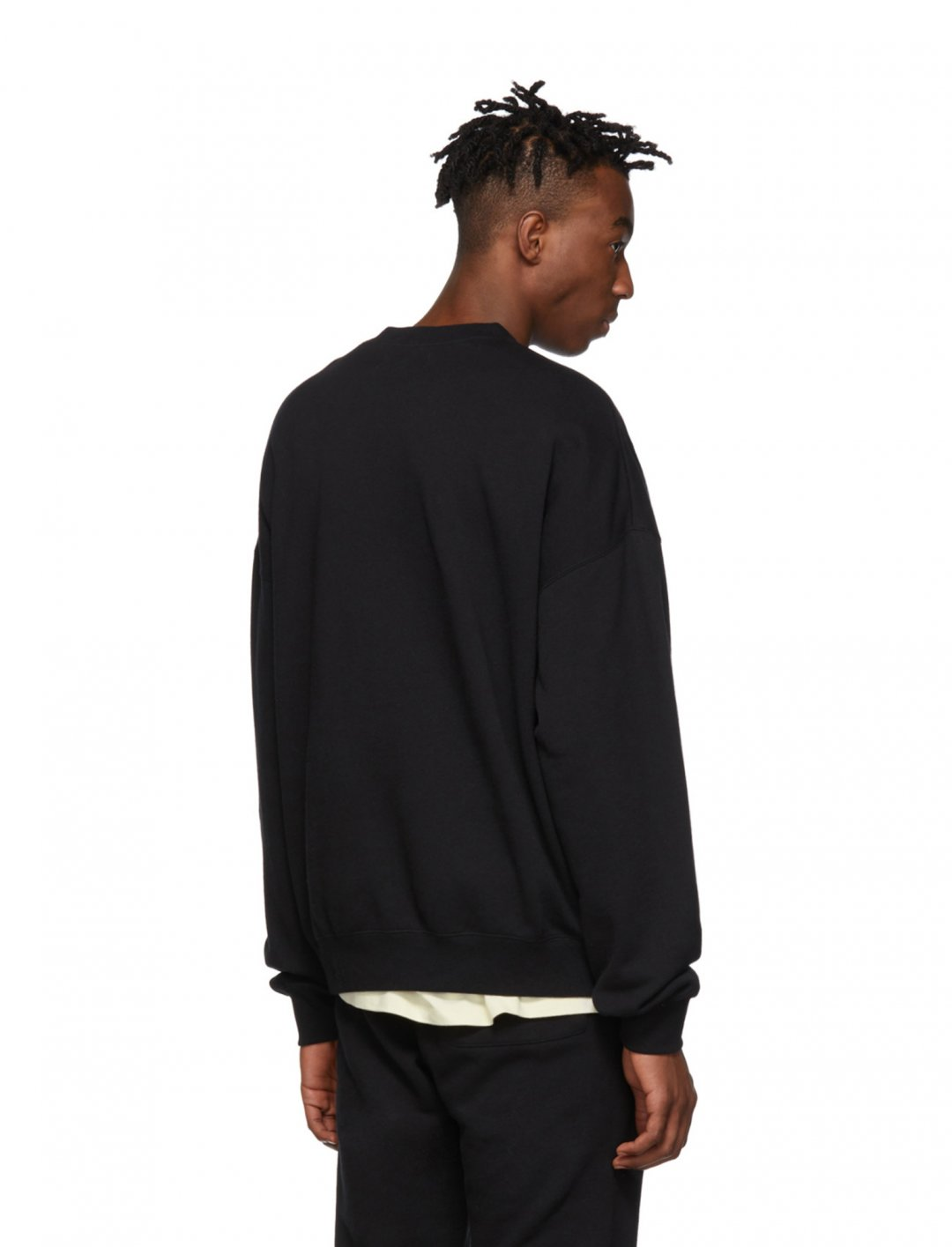 "Crewneck Sweatshirt {""id"":5,""product_section_id"":1,""name"":""Clothing"",""order"":5} Essentials"