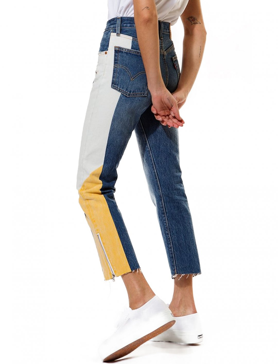 "Moto Jeans {""id"":5,""product_section_id"":1,""name"":""Clothing"",""order"":5} Levi's"