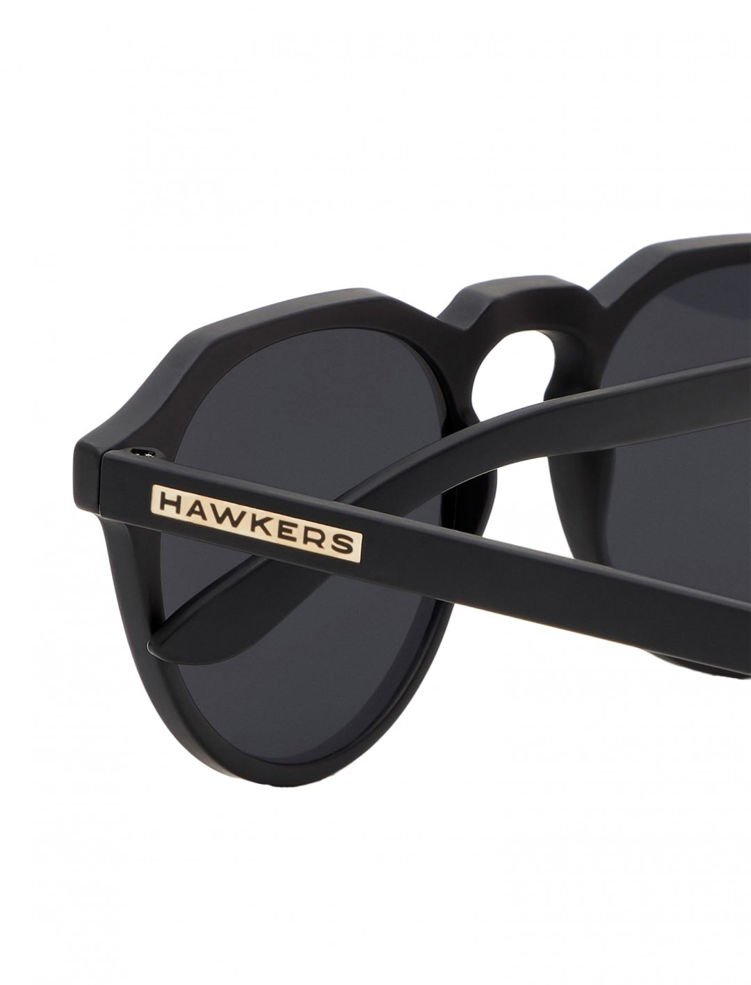 "Polarized Sunglasses {""id"":16,""product_section_id"":1,""name"":""Accessories"",""order"":15} Hawkers"