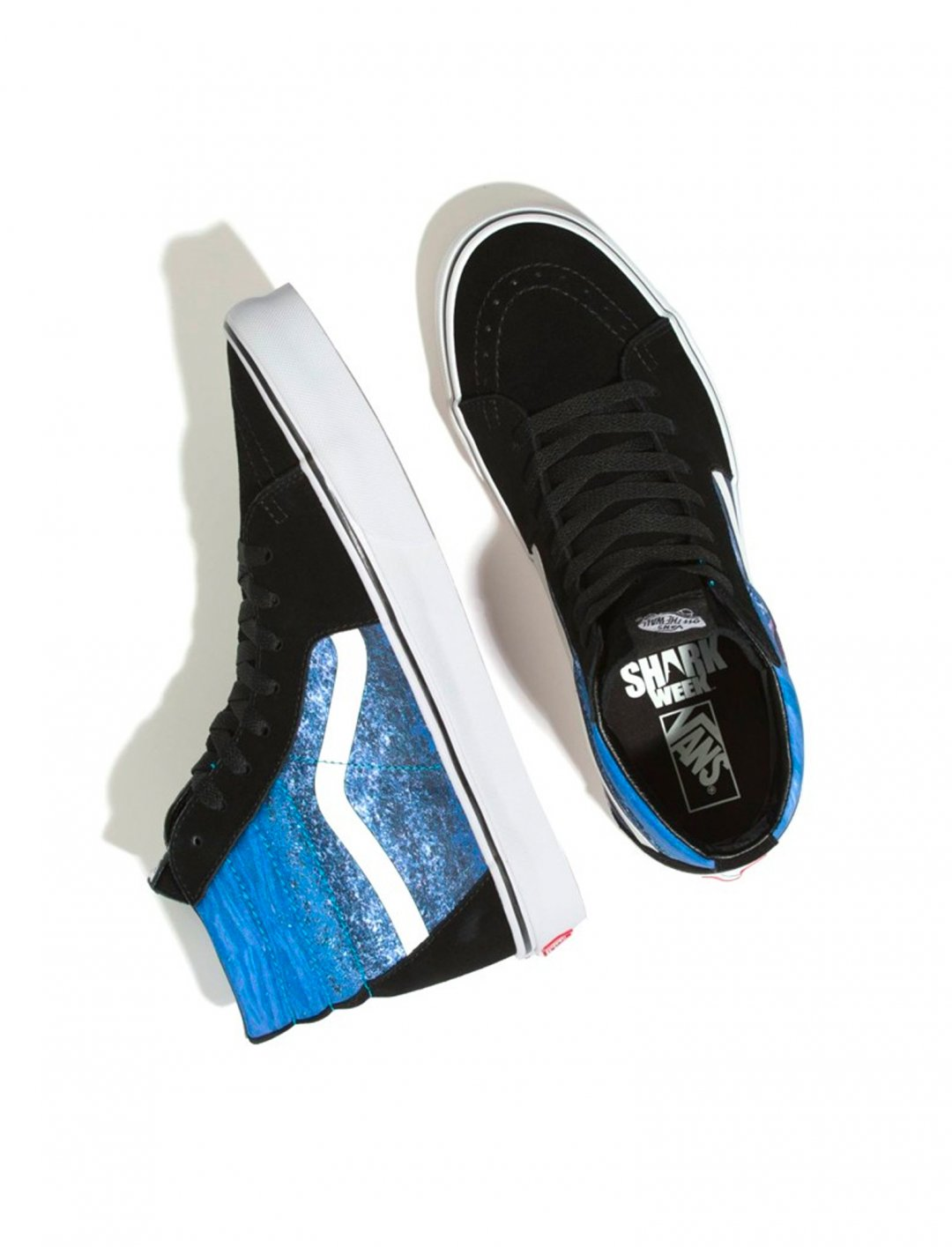 """SK8-Hi Trainers {""""id"""":12,""""product_section_id"""":1,""""name"""":""""Shoes"""",""""order"""":12} Vans x Discovery Shark Week"""