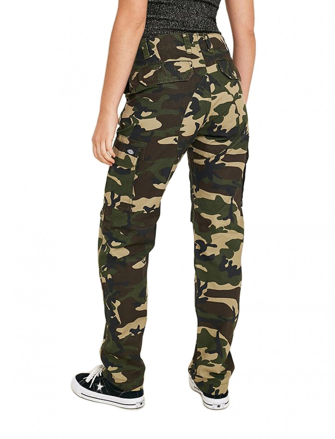 "Camo Trousers {""id"":5,""product_section_id"":1,""name"":""Clothing"",""order"":5} Dickies"
