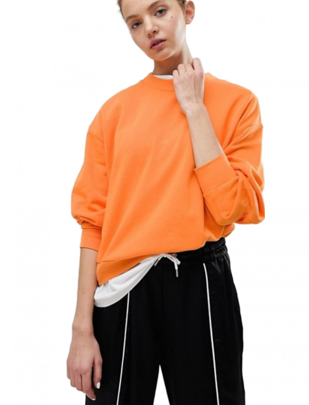 "Cropped Sweatshirt {""id"":5,""product_section_id"":1,""name"":""Clothing"",""order"":5} Weekday"