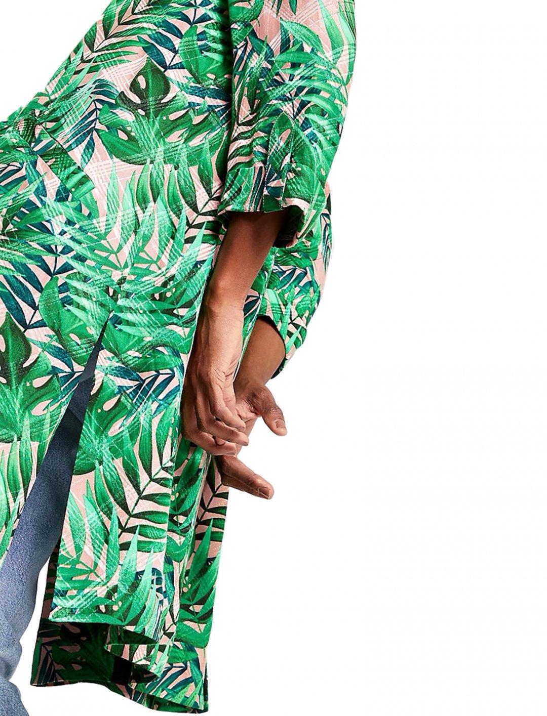 "Palm Print Kimono {""id"":5,""product_section_id"":1,""name"":""Clothing"",""order"":5} River Island"