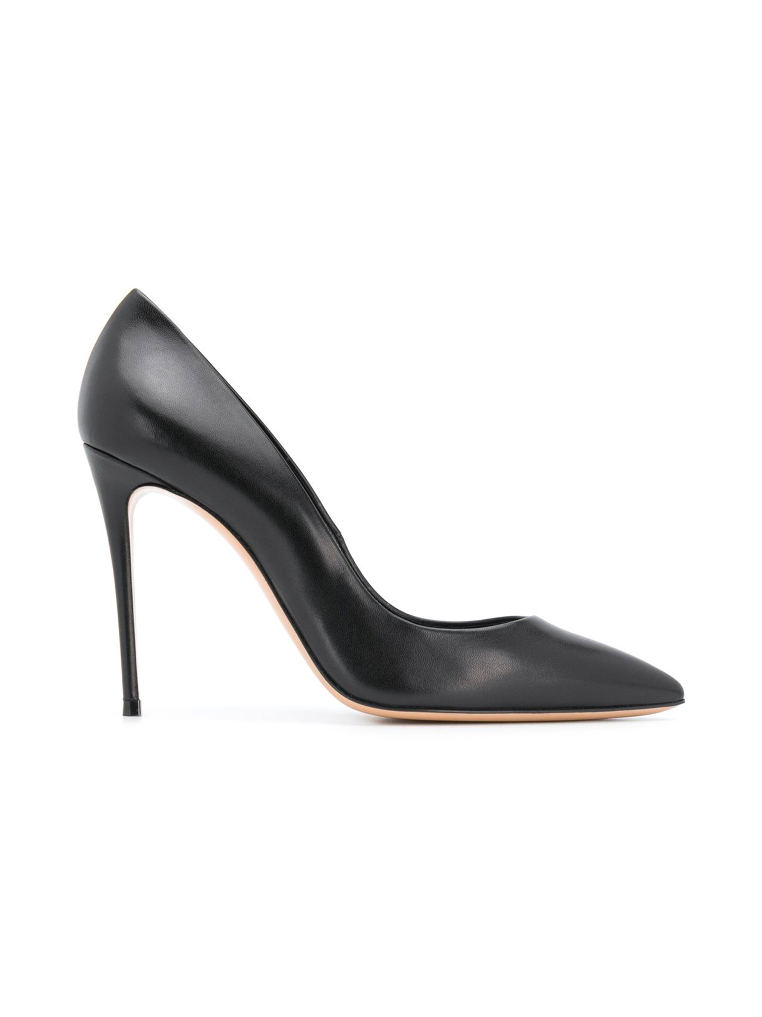 Pointed Toe Pumps In Black