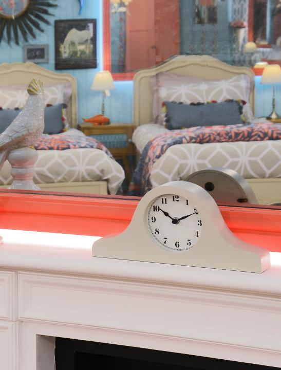 Iris Mantel Clock - Big Brother 2017