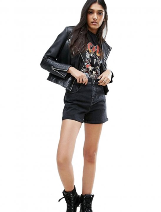 Shorts in Washed Black - Lady Leshurr