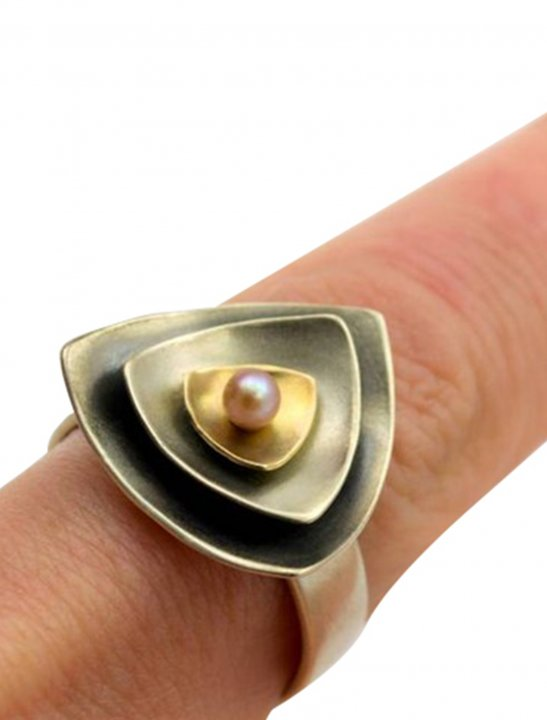 Gold Ring with Pearl Jewellery