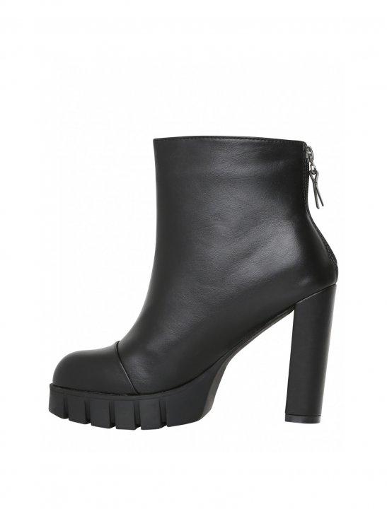 "Lamoda Platform Heeled Ankle Boots {""id"":12,""product_section_id"":1,""name"":""Shoes"",""order"":12} Lamoda"