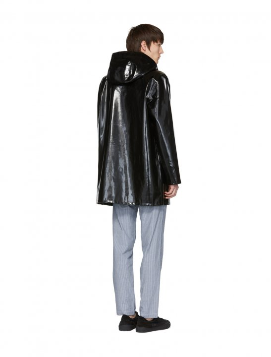 "Stutterheim Black Stockholm Raincoat {""id"":5,""product_section_id"":1,""name"":""Clothing"",""order"":5} Stutterheim"